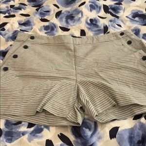 Banana Republic shorts buttons on side size 10
